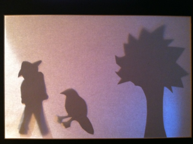 The Friendship of Magpie and Scarecrow: A Shadow Play